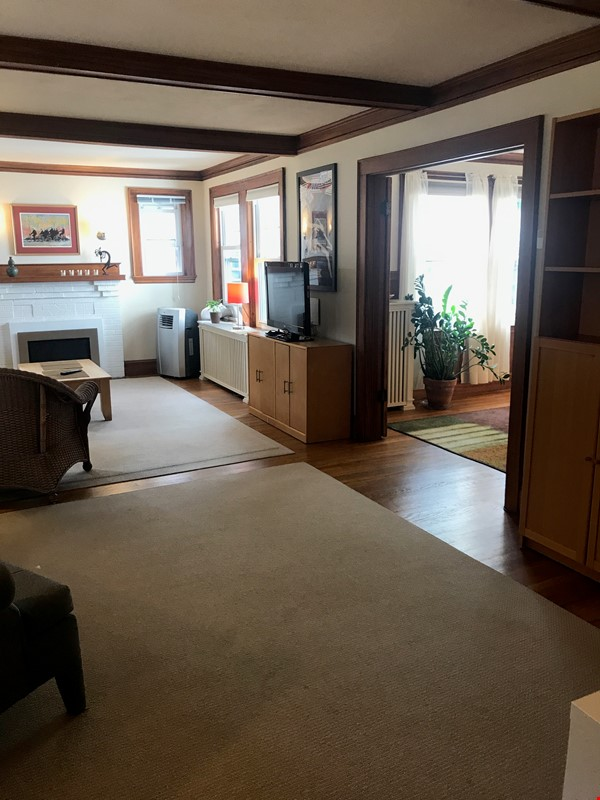 Furnished, Sunny, 2-bdrm apt 2.5 miles to Hrvd Sq., quiet safe neighborhood Home Rental in Belmont 1 - thumbnail