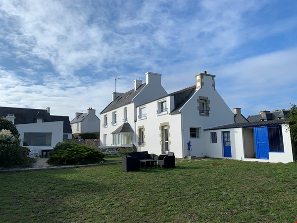 listing image for Dream cottage with stunning ocean views in southern Brittany. 4 bedrooms.