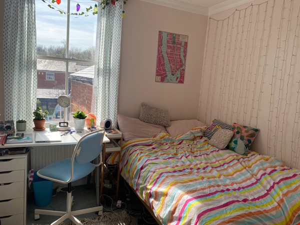 Four bedroom house, summer let -- (depending on COVID) central Oxford Home Rental in Oxford 4 - thumbnail