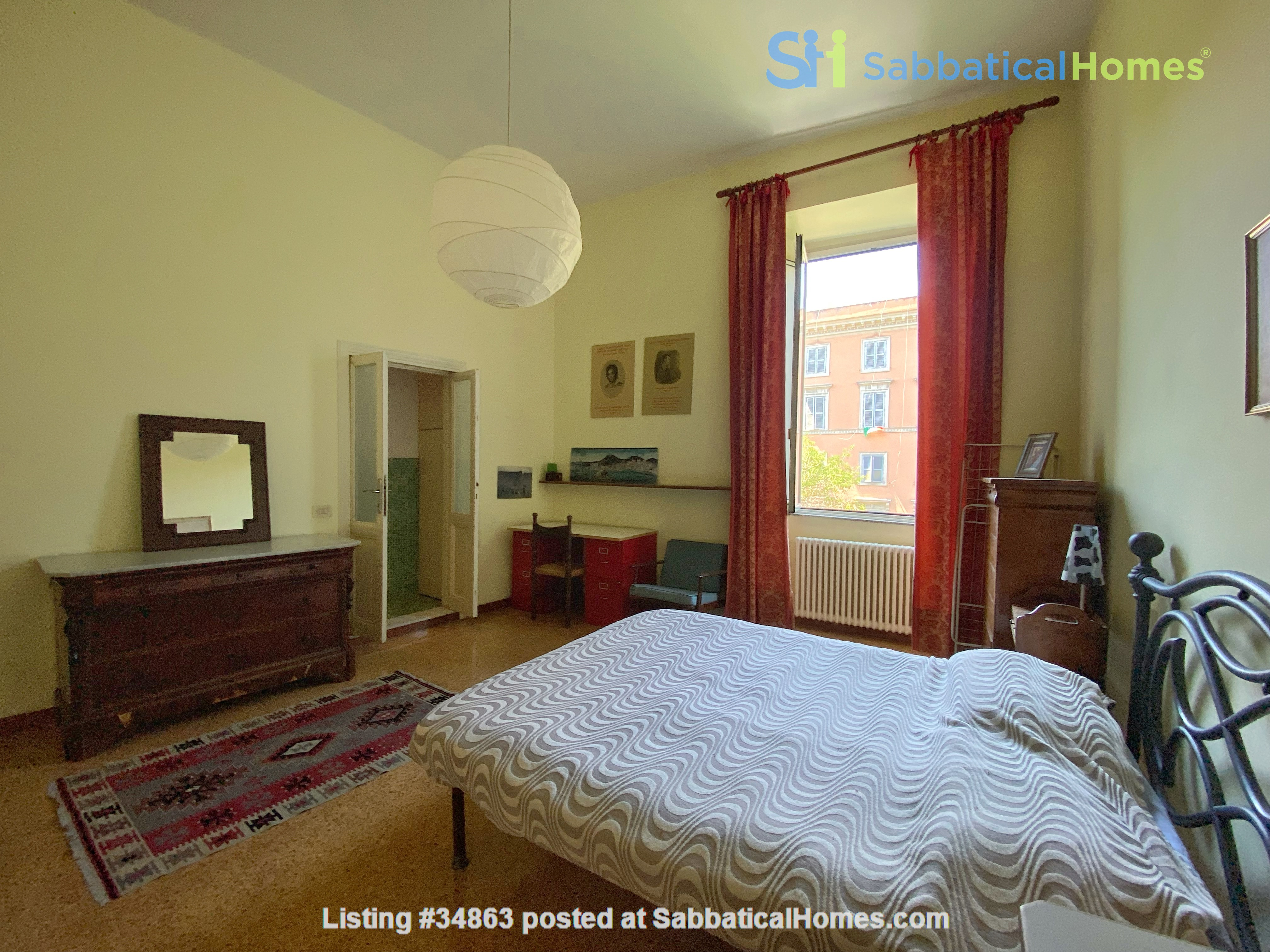 2 BR, 2 BA, spacious and comfortable apartment in Rome, Trastevere Home Rental in Rome 1