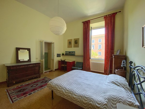 2 BR, 2 BA, spacious and comfortable apartment in Rome, Trastevere Home Rental in Rome 1 - thumbnail