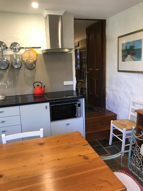 Whole of ground floor apartment with garage in a Paddington Victorian house Home Rental in Paddington 4 - thumbnail