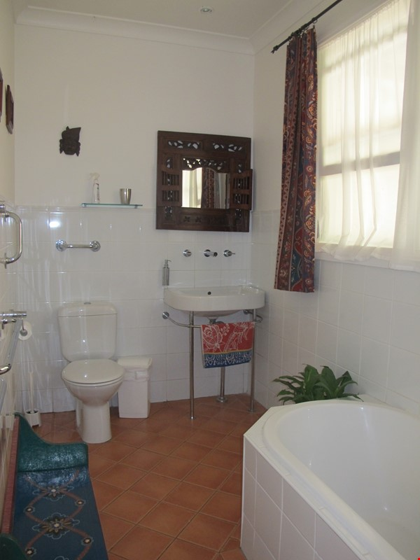 Sydney North Shore share a wonderful house yet have your own privacy. Home Rental in East Lindfield 4 - thumbnail