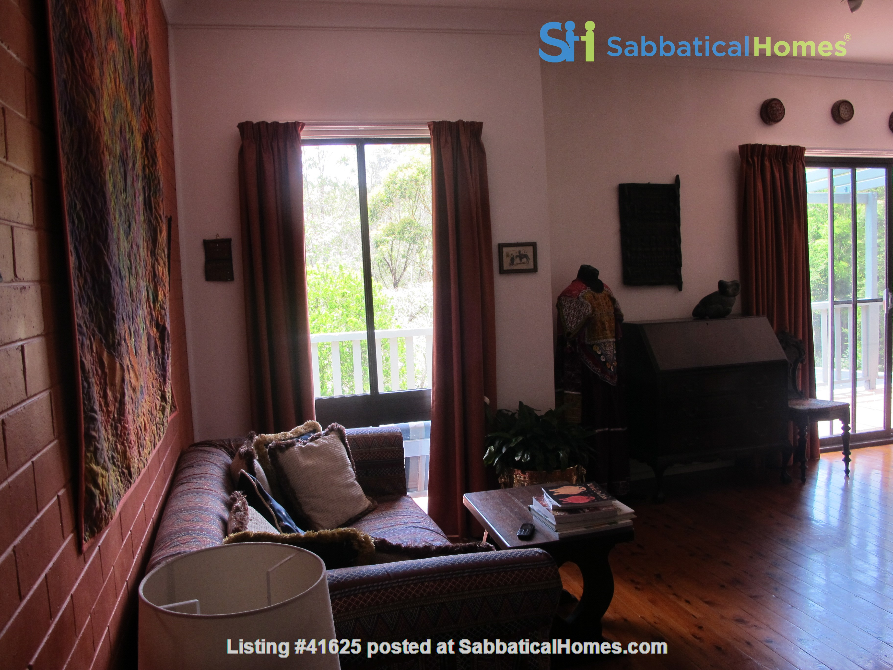 Sydney North Shore share a wonderful house yet have your own privacy. Home Rental in East Lindfield, New South Wales, Australia 5