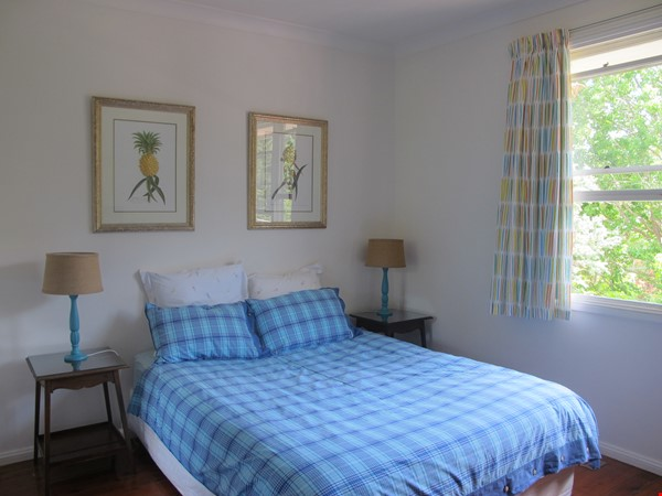 Sydney North Shore share a wonderful house yet have your own privacy. Home Rental in East Lindfield 3 - thumbnail