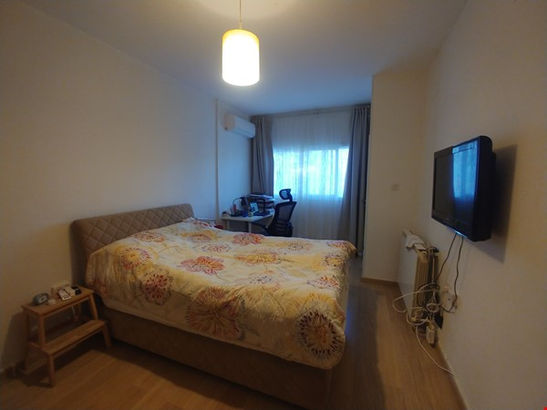 A spacious fully furnished 3 bedroom apartment in Jerusalem near Givat Ram Home Rental in Jerusalem 3 - thumbnail