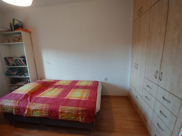 A spacious fully furnished 3 bedroom apartment in Jerusalem near Givat Ram Home Rental in Jerusalem 8 - thumbnail