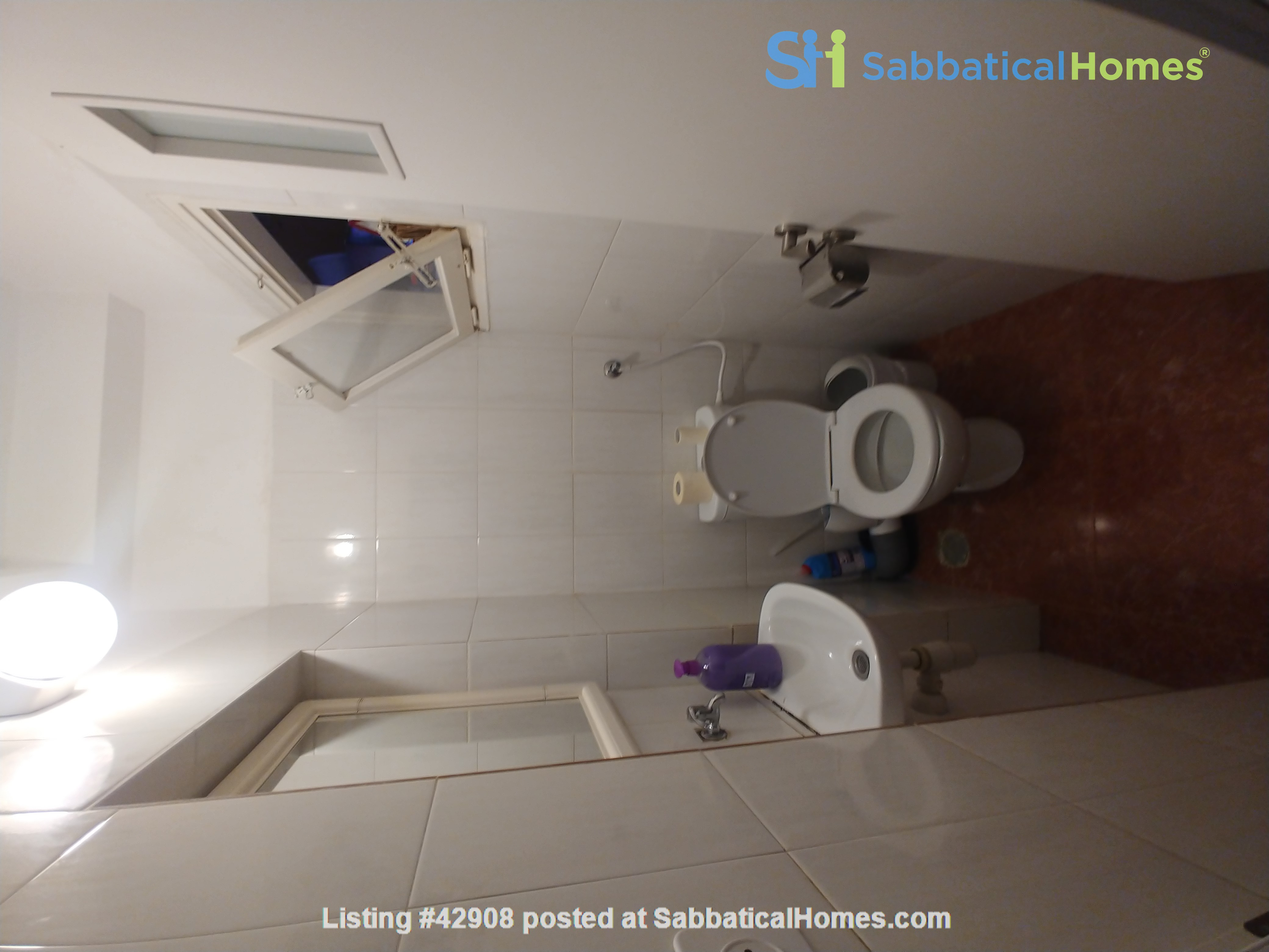 A spacious fully furnished 3 bedroom apartment in Jerusalem near Givat Ram Home Rental in Jerusalem, Jerusalem District, Israel 9
