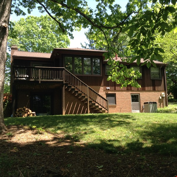 Comfortable, Easy-Care Home near UVA Home Rental in Charlottesville 6 - thumbnail