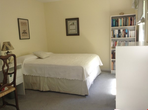 Comfortable, Easy-Care Home near UVA Home Rental in Charlottesville 4 - thumbnail