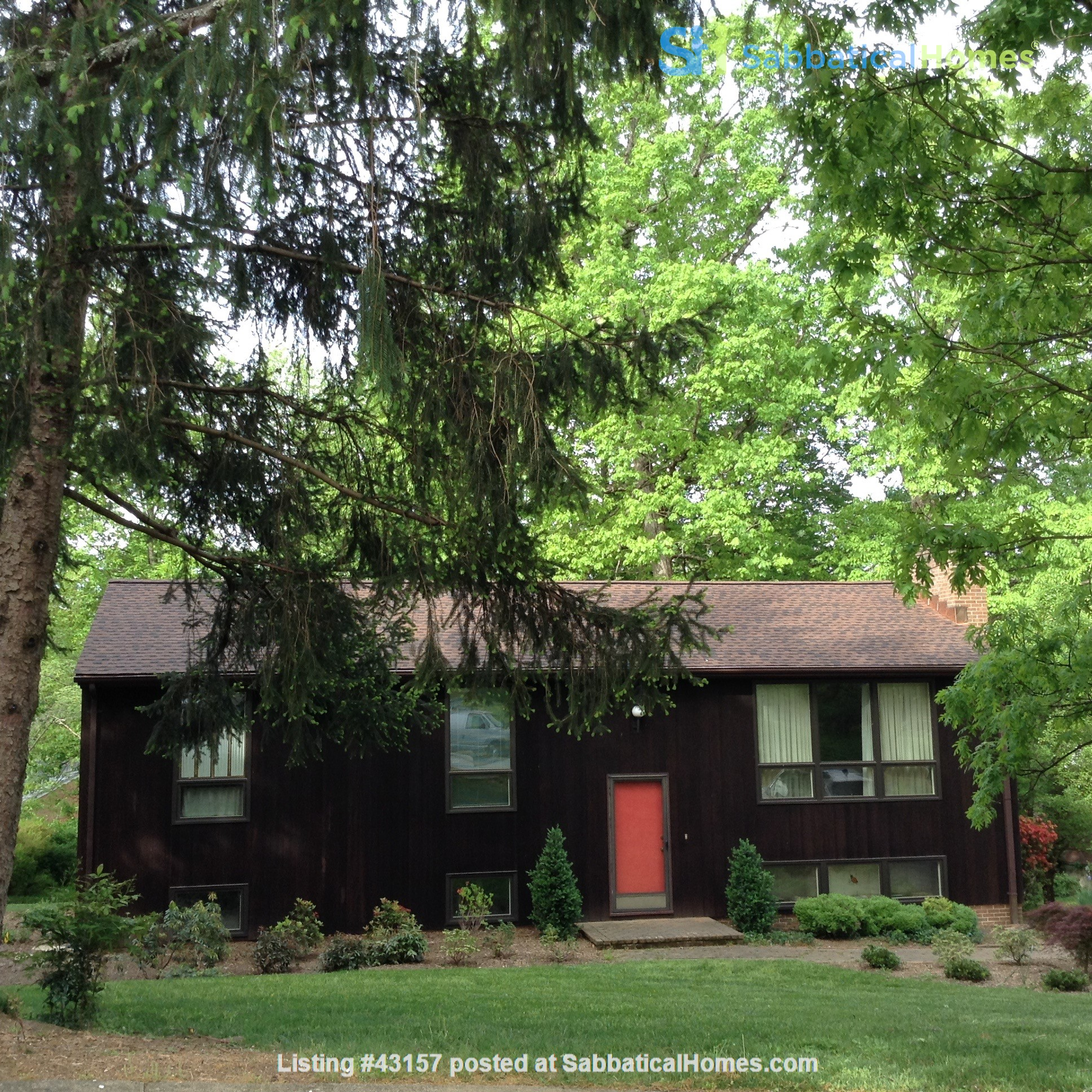 Comfortable, Easy-Care Home near UVA Home Rental in Charlottesville, Virginia, United States 7