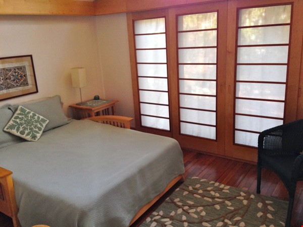 3BR furnished home in Newton on quiet street, next to park - walk to lake Home Rental in Newton 8 - thumbnail