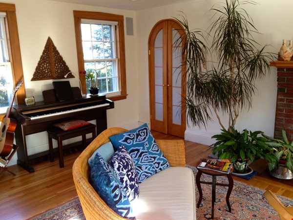 3BR furnished home in Newton on quiet street, next to park - walk to lake Home Rental in Newton 6 - thumbnail