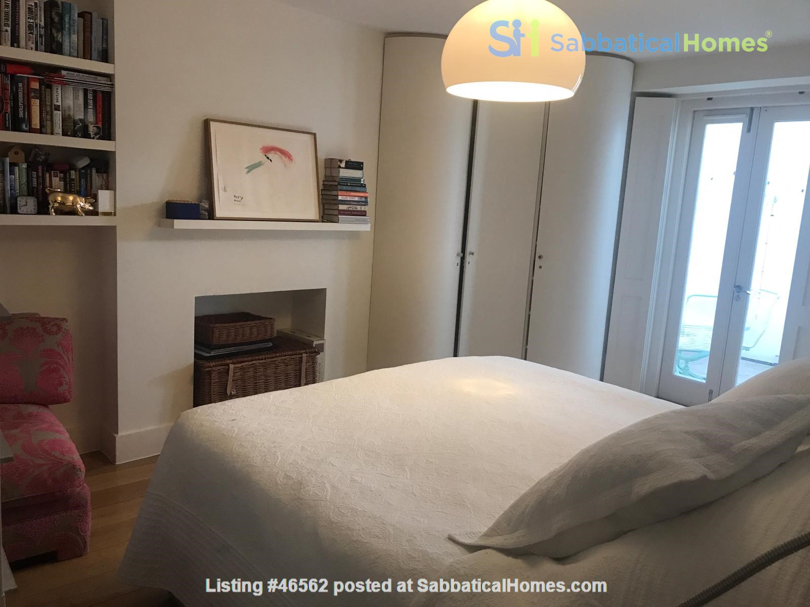 London: Notting Hill - a pretty three-bedroom garden flat on period terrace Home Rental in Greater London, England, United Kingdom 4