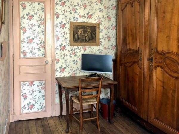LOVELY TWO BEDROOM APARTMENT, PARIS Bastille, walk to Marais Home Rental in Paris 3 - thumbnail