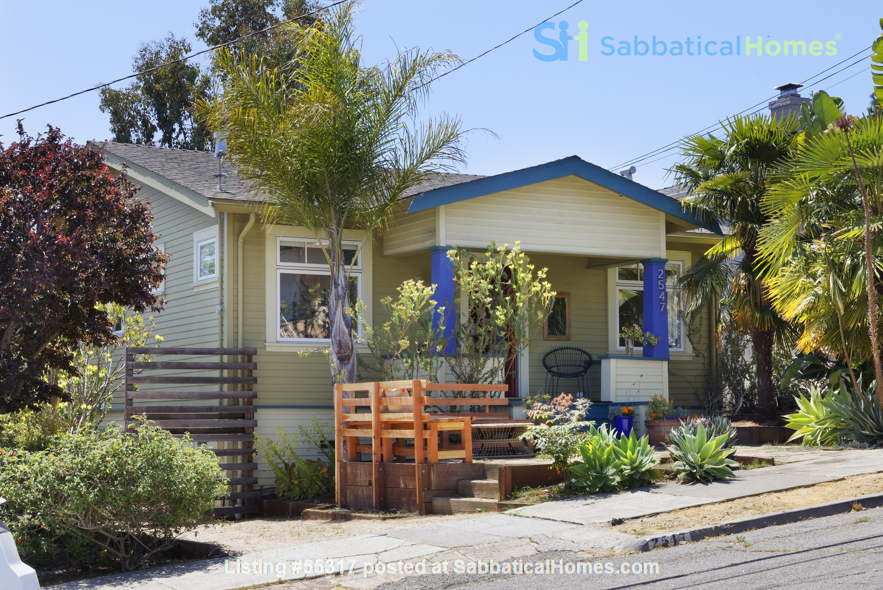 TROPICAL MODERN BUNGALOW- Oakland house near shops and hiking trails Home Rental in Oakland, California, United States 0