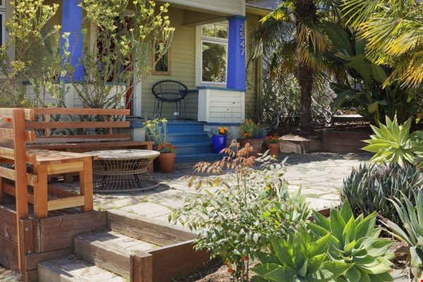 TROPICAL MODERN BUNGALOW- Oakland house near shops and hiking trails Home Rental in Oakland 1 - thumbnail