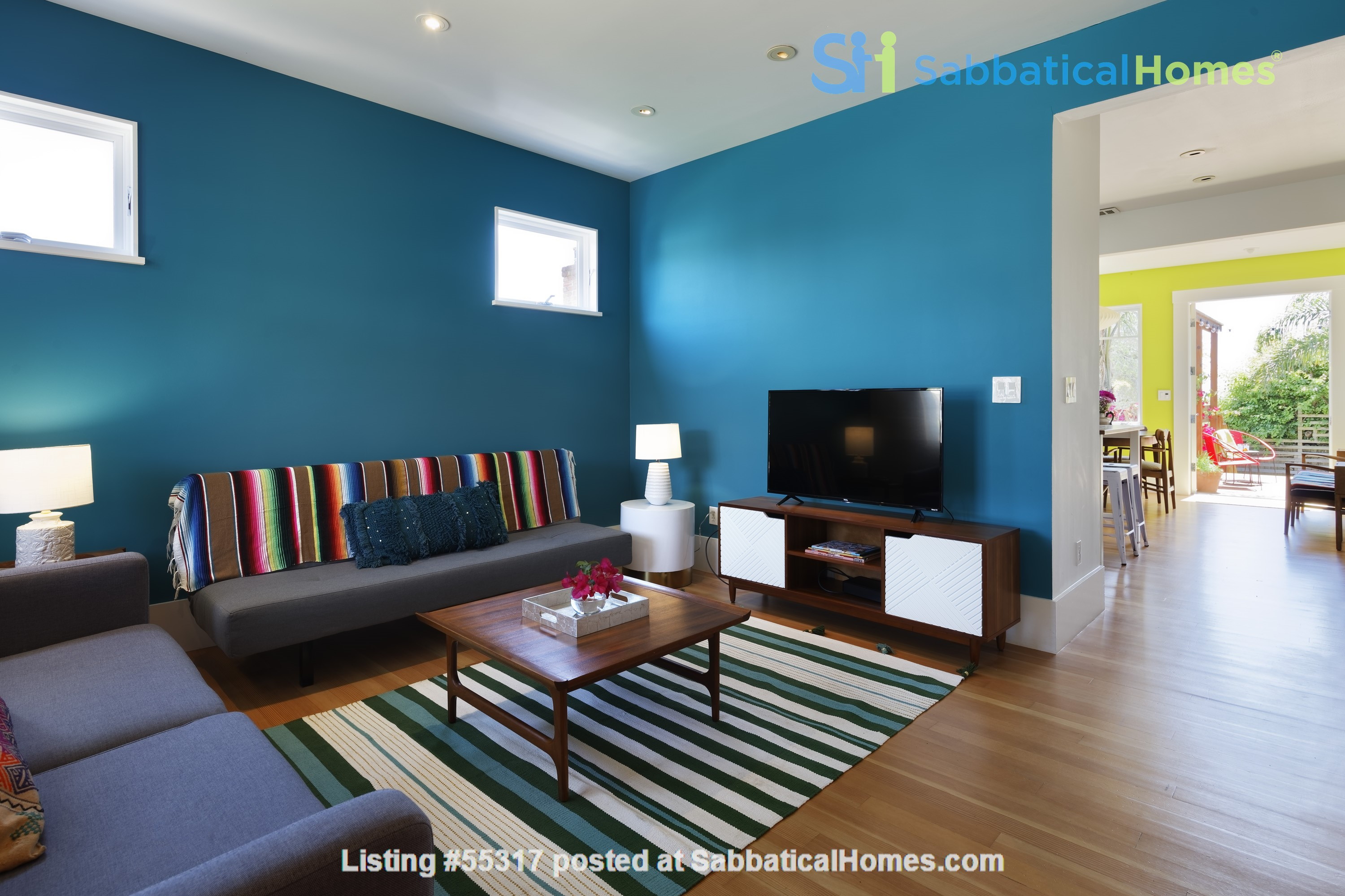 TROPICAL MODERN BUNGALOW- Oakland house near shops and hiking trails Home Rental in Oakland, California, United States 4