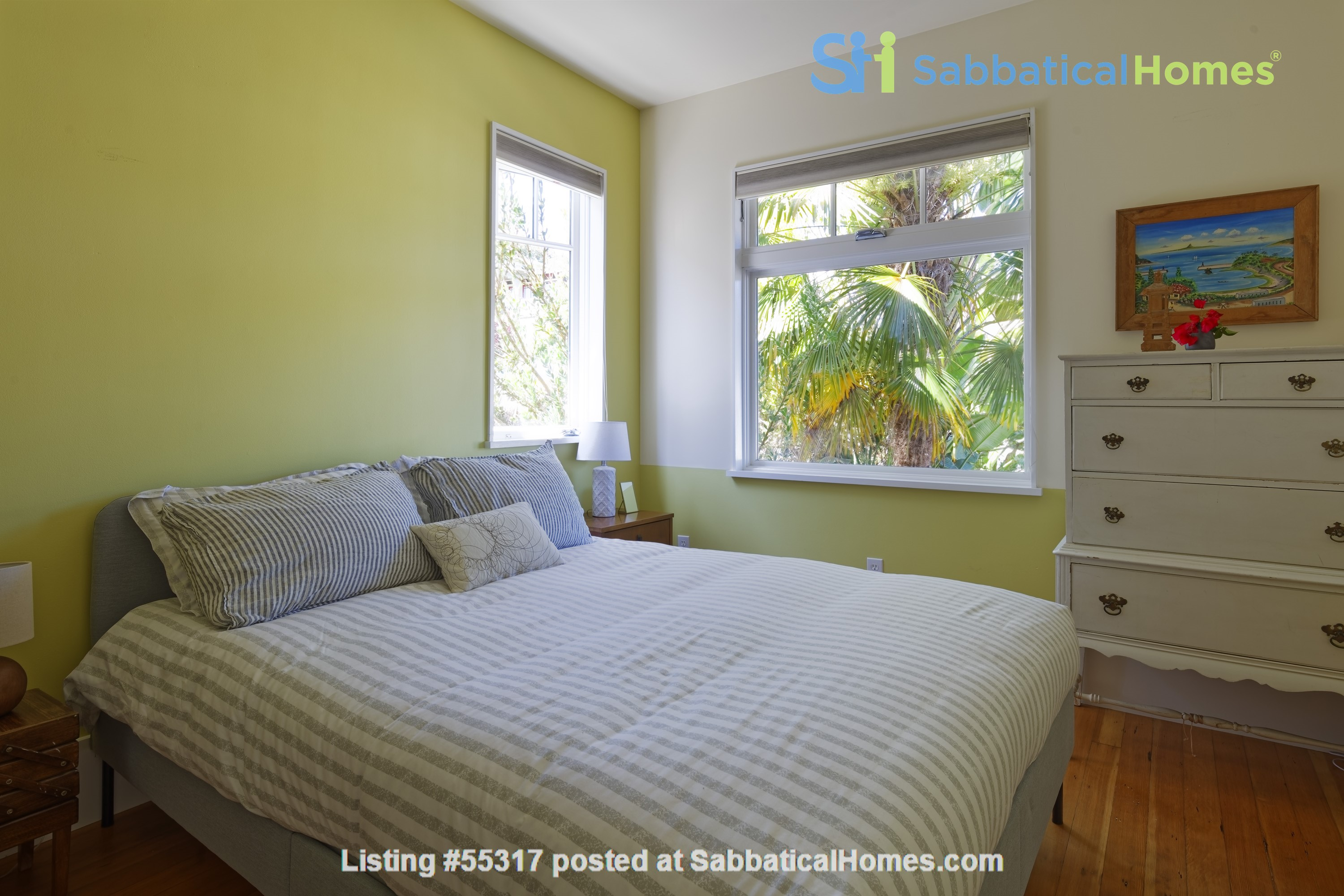 TROPICAL MODERN BUNGALOW- Oakland house near shops and hiking trails Home Rental in Oakland, California, United States 7