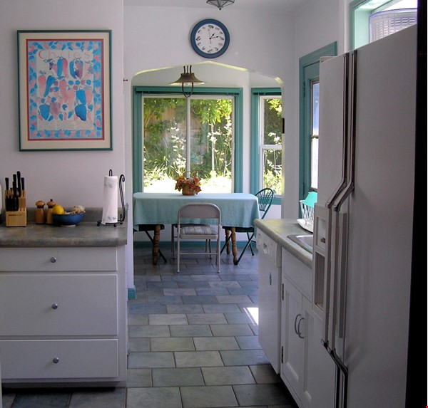 Well-located family home near parks, Gourmet Ghetto, UC Berkeley Home Rental in Berkeley 5 - thumbnail