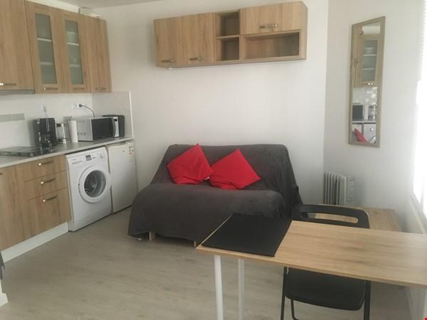 listing image for Studio: appartement in trendy Rue Oberkampf quarter