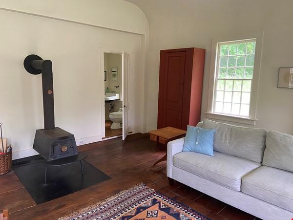 Writer's Retreat -- Idyllic Rural Cabin Home Rental in Cornwall 4 - thumbnail