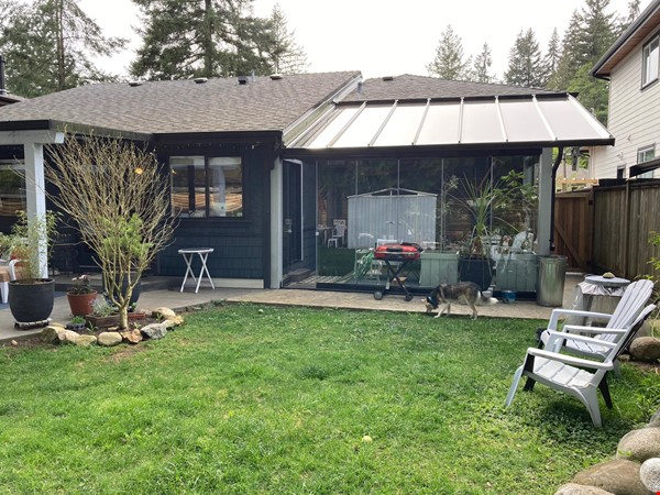 Charming Character Home in Lynn Valley, North Vancouver Home Rental in North Vancouver 8 - thumbnail