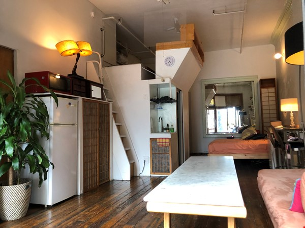Classic Manhattan Loft w/ view and large outdoor terrace Home Rental in New York 4 - thumbnail