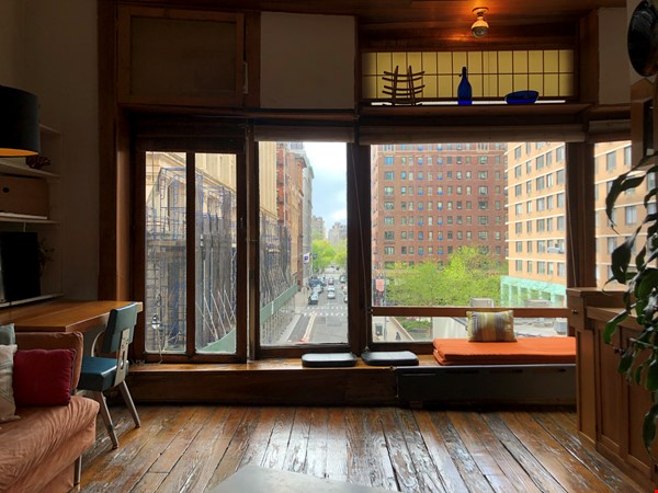 Classic Manhattan Loft w/ view and large outdoor terrace Home Rental in New York 1 - thumbnail