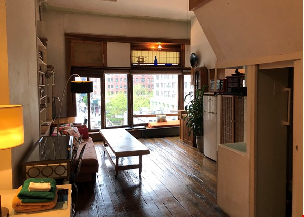 Classic Manhattan Loft w/ view and large outdoor terrace Home Rental in New York 0 - thumbnail