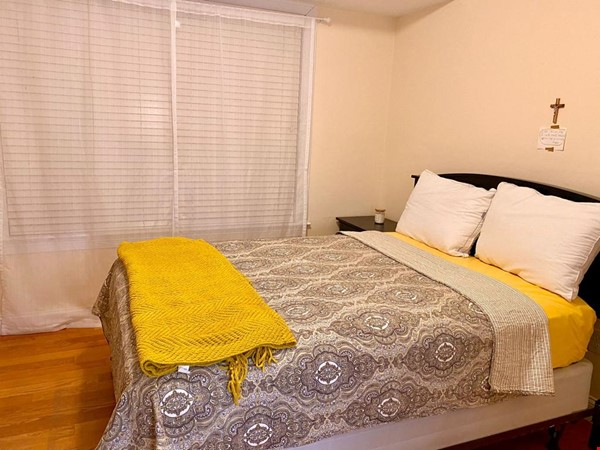 Lovely fully furnished 3 bedroom Townhouse in Brighton-Boston for Rent Home Rental in Boston 4 - thumbnail