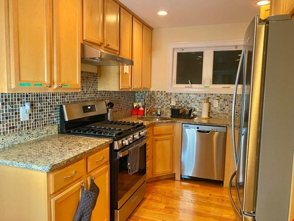 Lovely fully furnished 3 bedroom Townhouse in Brighton-Boston for Rent Home Rental in Boston 6 - thumbnail