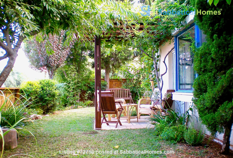 BEAUTIFUL DETACHED 3 Bed VILLA WITH GARDEN short/long let-  ZICHRON YA'AKOV Home Rental in Zikhron Ya'akov 0