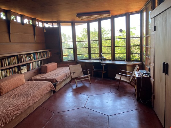 Frank Lloyd Wright house near Stanford, Silicon Valley, SF, and Berkeley Home Rental in Hillsborough 0 - thumbnail