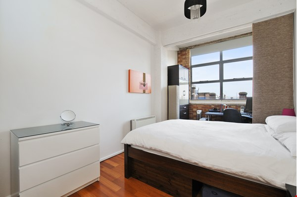 London Zone 1. Quiet & Secure. Concierge. All utilities included. Home Rental in  1 - thumbnail