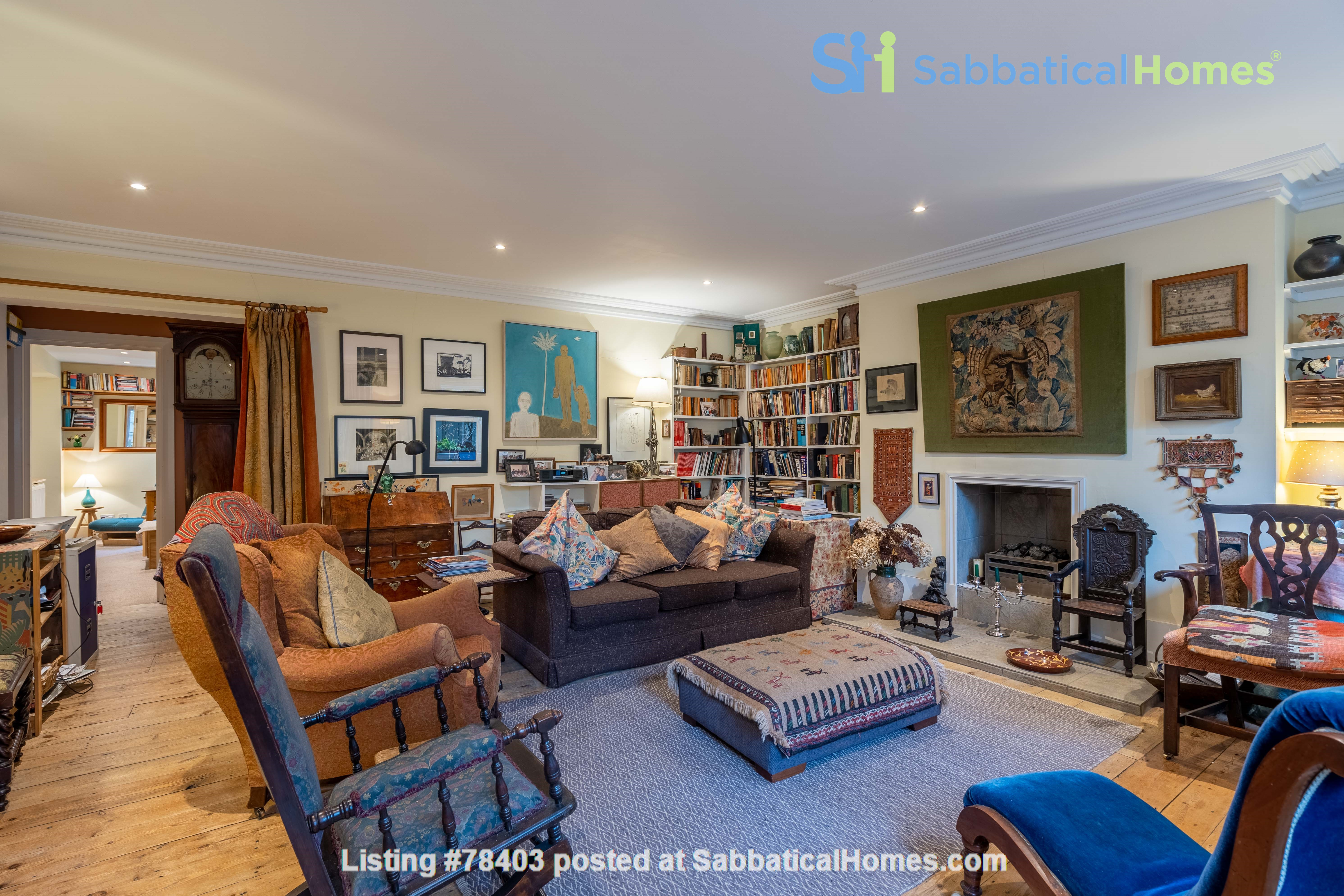 Notting Hill  Garden Flat- Antiques, Books , Textiles & Characterful Home Rental in Greater London, England, United Kingdom 4