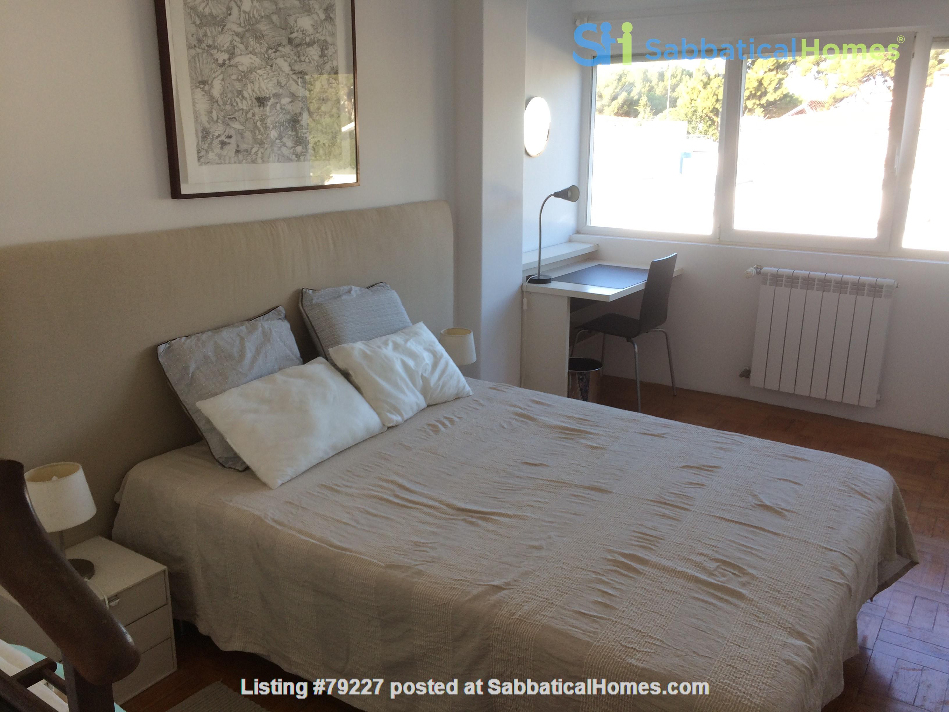 Very sunny apartment in Carcavelos Beach, between Lisbon and Cascais Home Rental in Carcavelos, Lisboa, Portugal 6