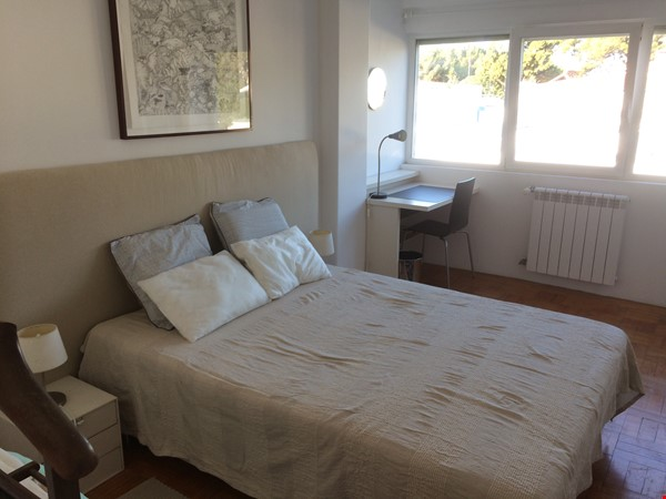 Very sunny apartment in Carcavelos Beach, between Lisbon and Cascais Home Rental in Carcavelos 6 - thumbnail