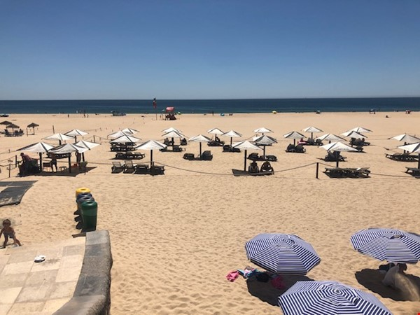 Very sunny apartment in Carcavelos Beach, between Lisbon and Cascais Home Rental in Carcavelos 0 - thumbnail