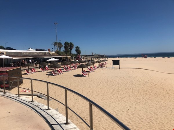 Very sunny apartment in Carcavelos Beach, between Lisbon and Cascais Home Rental in Carcavelos 9 - thumbnail