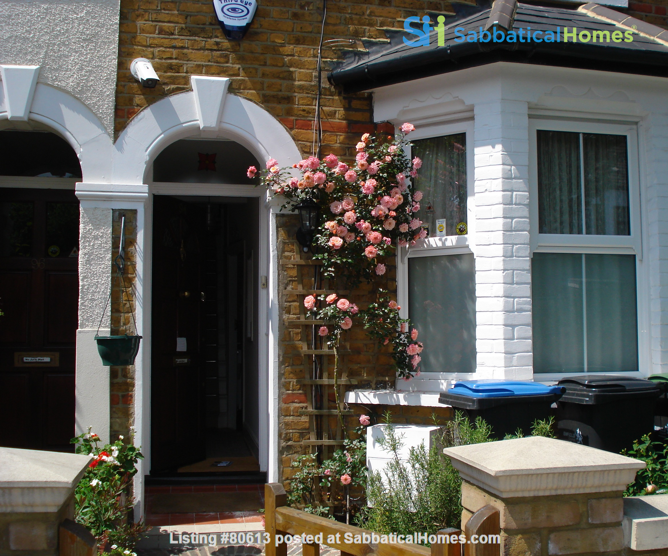 2 Rooms available -Bounds Green Tube N11 (Piccadilly Line) - Shared Kitchen Home Rental in Greater London, England, United Kingdom 1