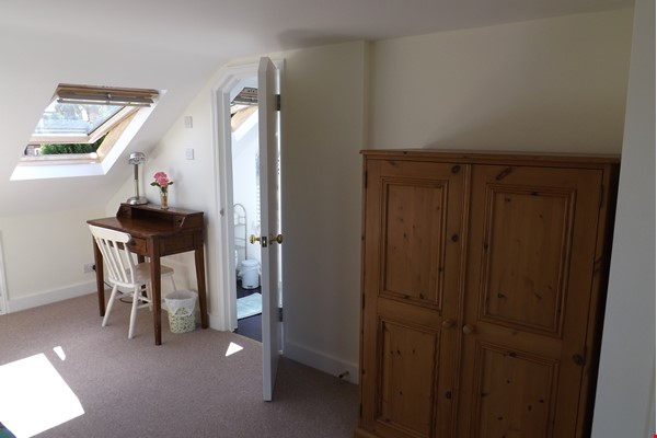 2 Rooms available -Bounds Green Tube N11 (Piccadilly Line) - Shared Kitchen Home Rental in  6 - thumbnail