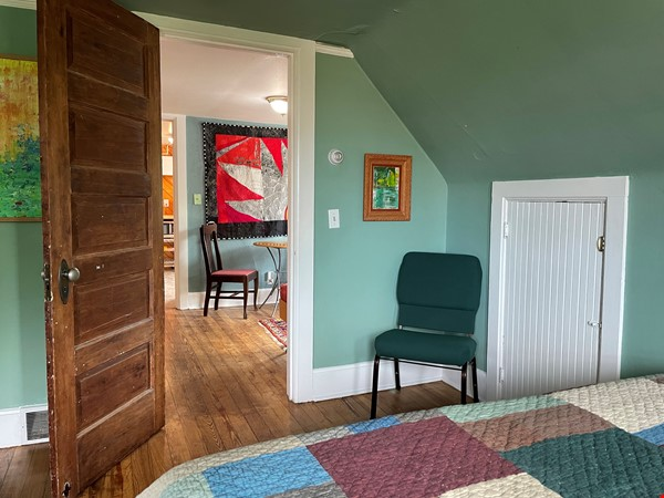 The Tree House. Third floor 1 bedroom, near east side walk-up Home Rental in Madison 2 - thumbnail
