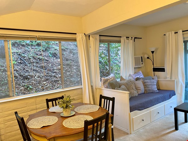 Charming, fully furnished 1BR apartment in Orinda Home Rental in Orinda 2 - thumbnail