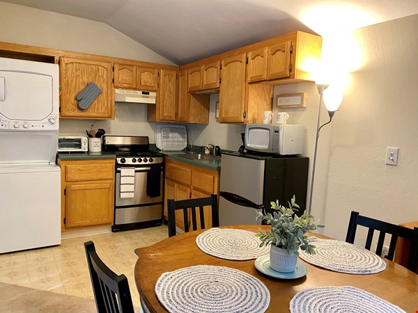 Charming, fully furnished 1BR apartment in Orinda Home Rental in Orinda 3 - thumbnail