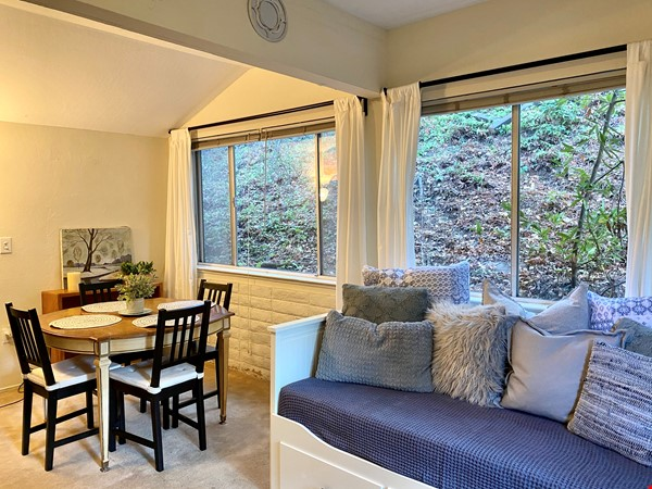 Charming, fully furnished 1BR apartment in Orinda Home Rental in Orinda 5 - thumbnail