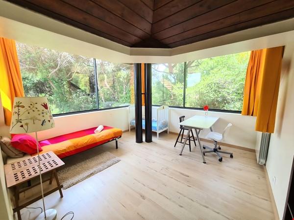 Charming Villa in selective Quinta da Marinha Home Rental in Cascais 4 - thumbnail