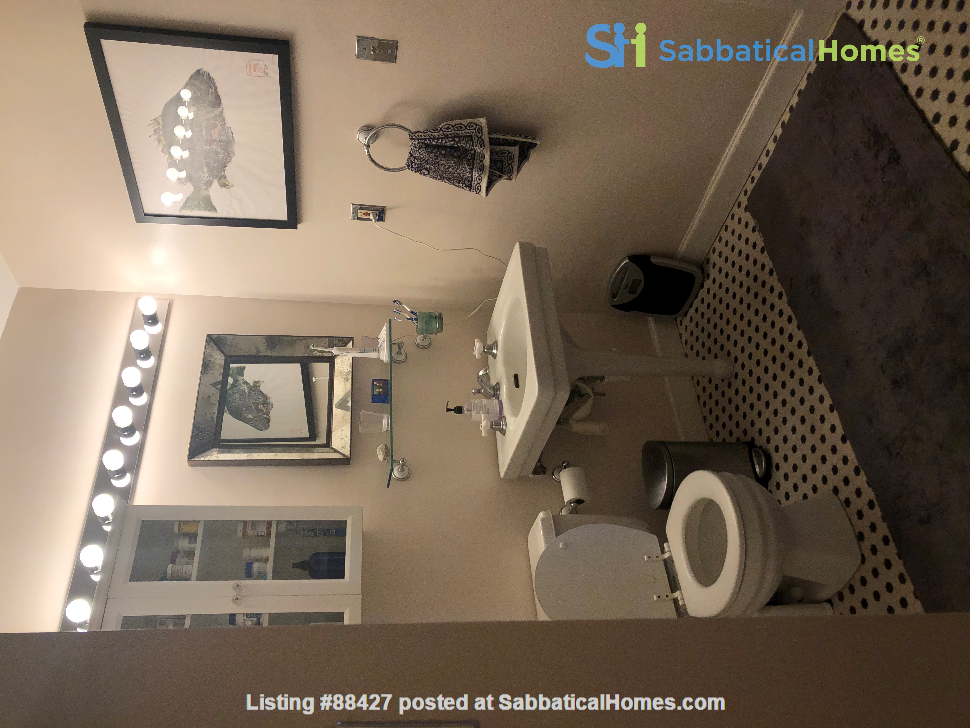 Elegant light-filled 2 bedroom condo NW D.C. Home Rental in Washington, District of Columbia, United States 6