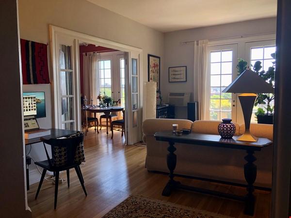 Elegant light-filled 2 bedroom condo NW D.C. Home Rental in Washington 2 - thumbnail