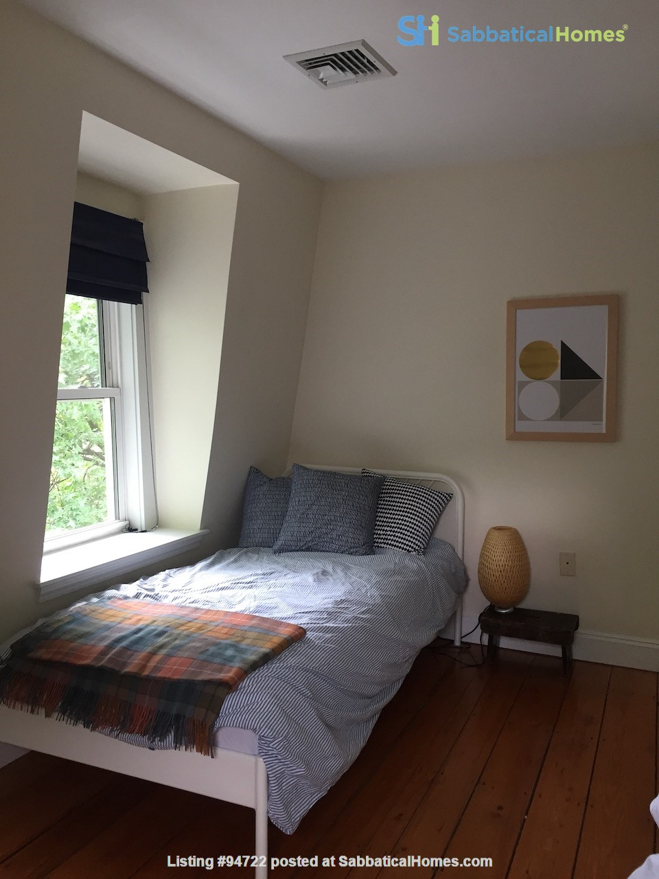Furnished 2-bedroom condo in Cambridge - great location! Home Rental in Cambridge, Massachusetts, United States 6
